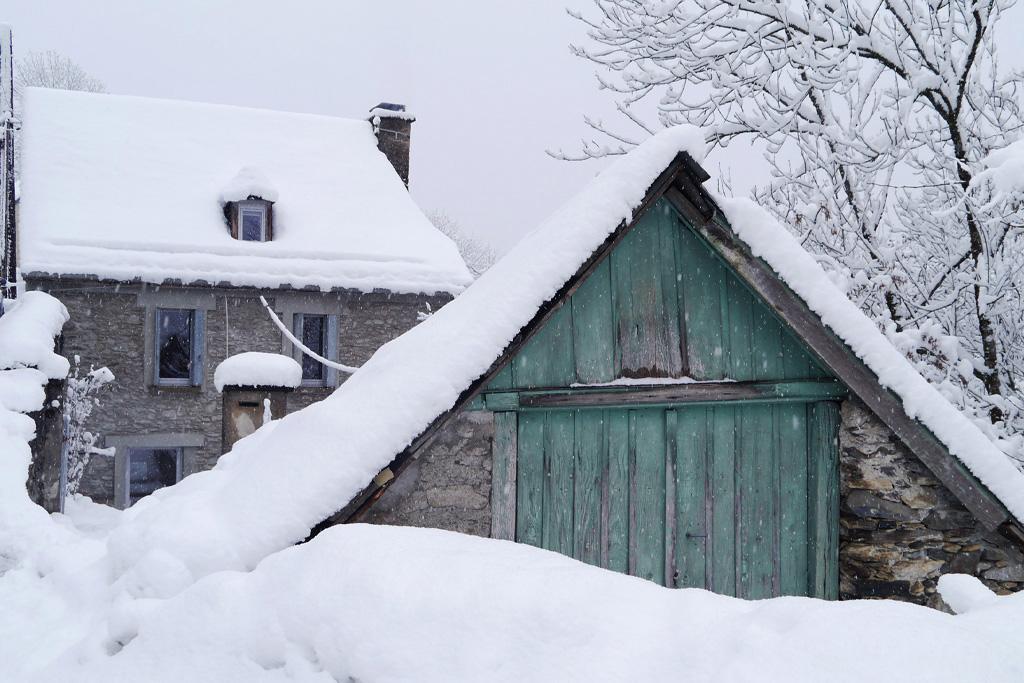 Jardin sous la neige Chez Ninon à St Aventin